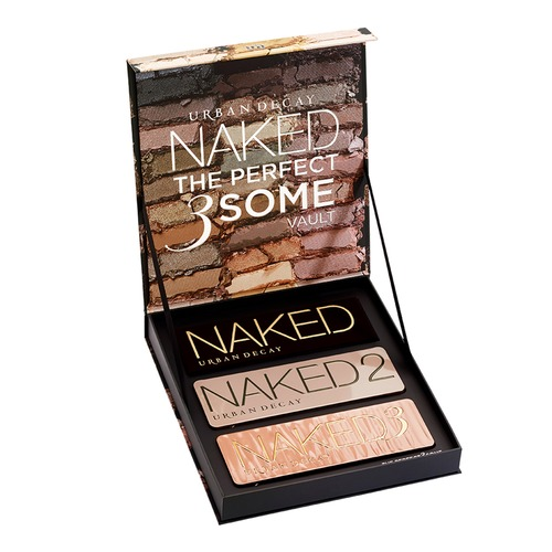 Closeup   s2425000 naked the perfect 3some vault 2