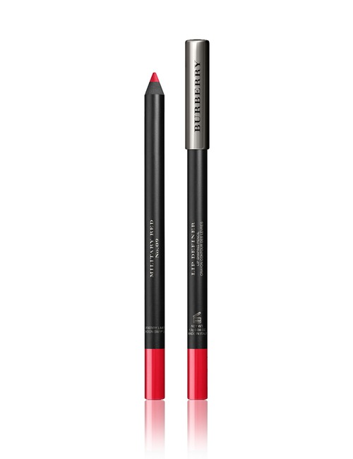 Closeup   burberry lip definer military red
